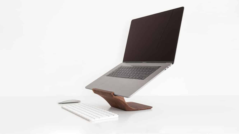 Yohann Wooden MacBook Pro Stand