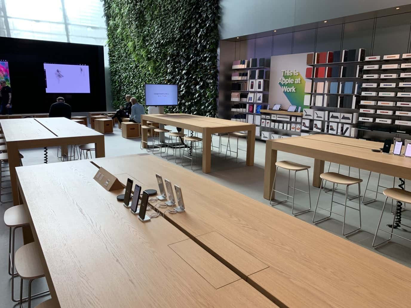 Apple Bondi Store Image 2