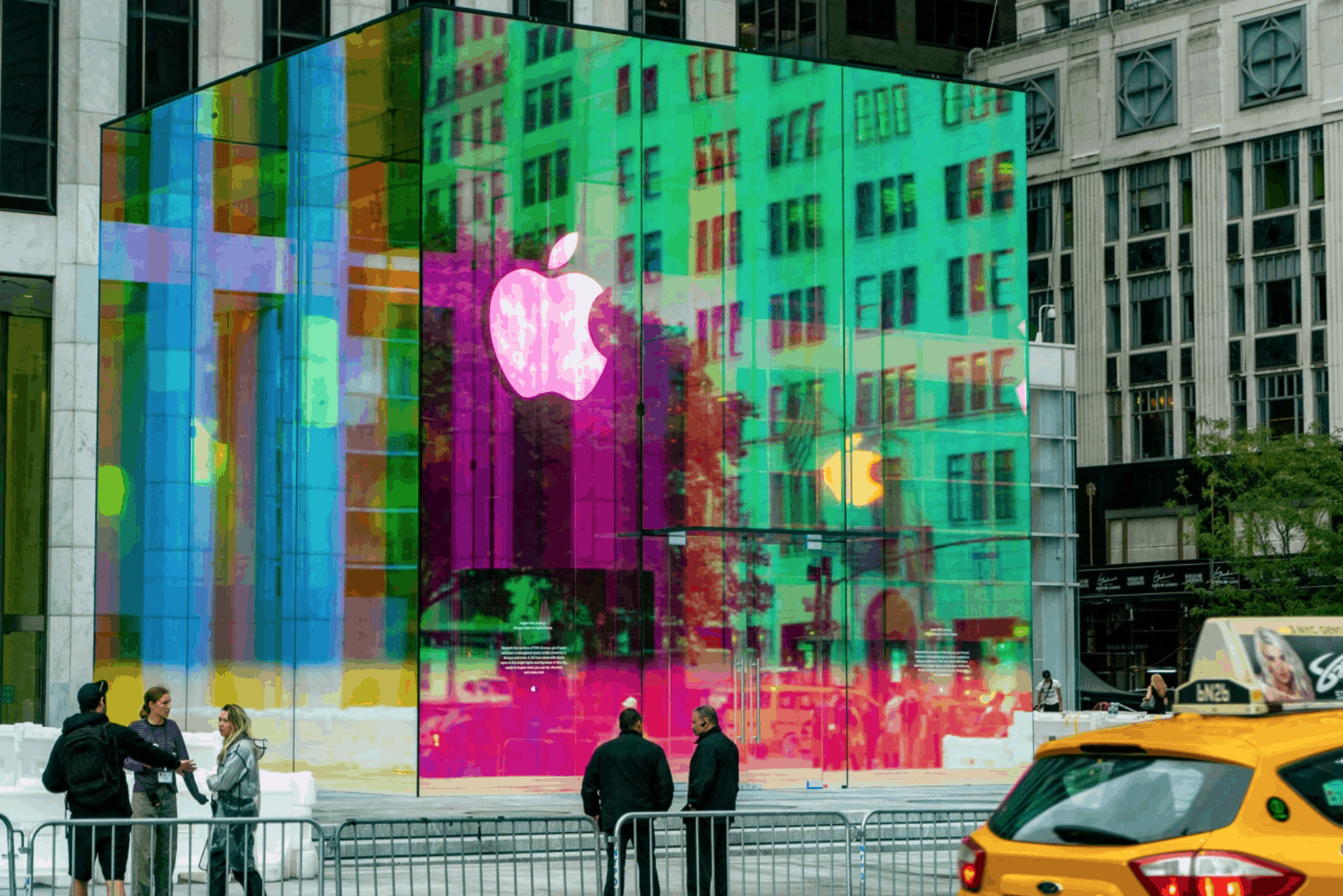 Apple Glass Cube Touts New Rainbow Look in Time for Reopening