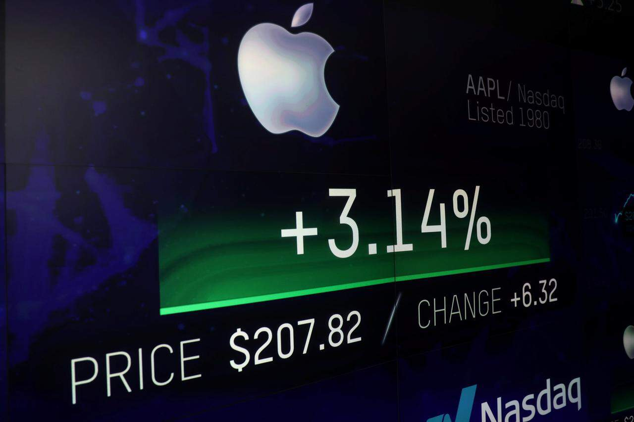 Apple's valuation no longer attractive, says a top tech analyst