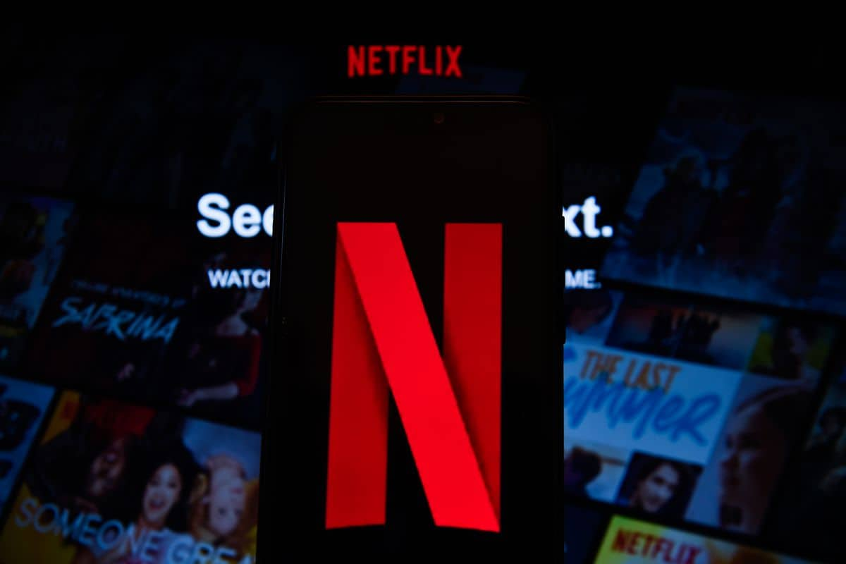 Why Netflix Continues to Shrug Off Looming Threats From Disney and Apple