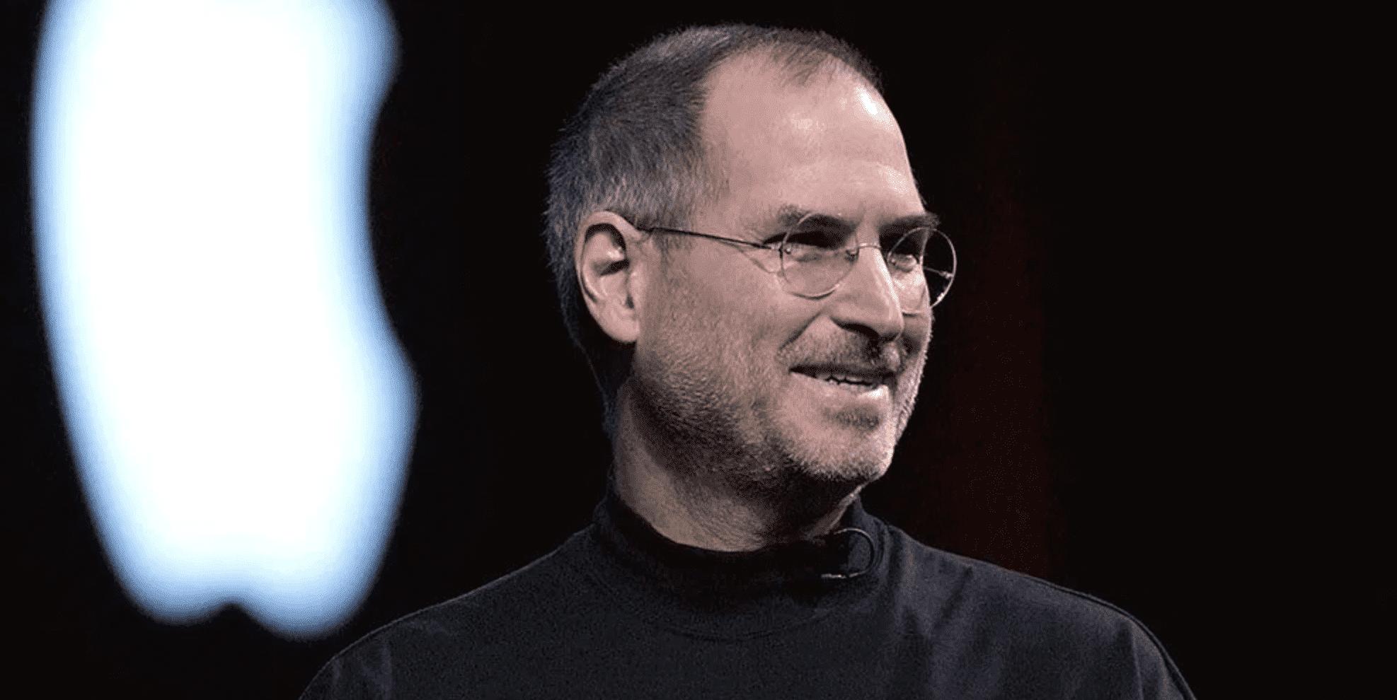 Tim Cook Shares Anniversary Tweet of Steve Jobs