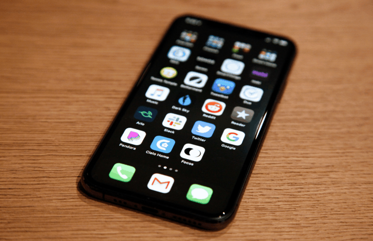iOS 13 vs Android 10: Who Rules the App Market?