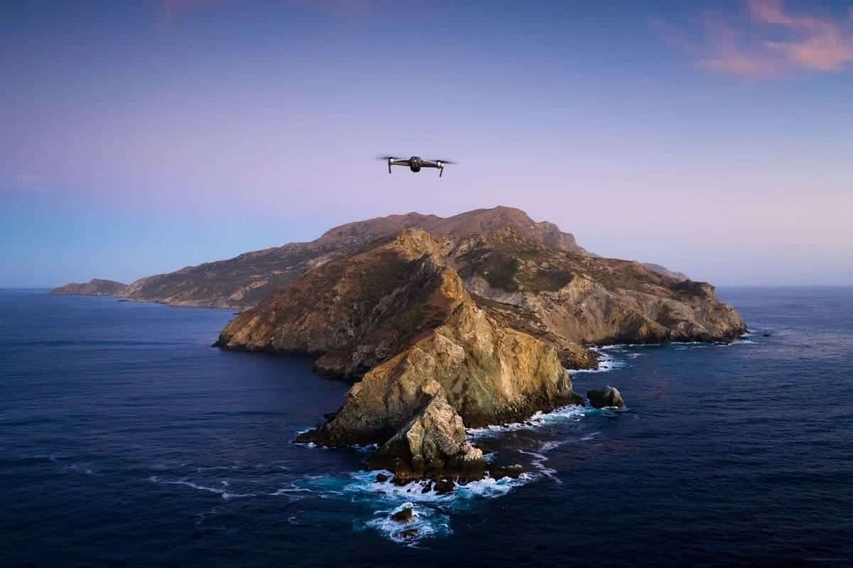 Apple Enthusiasts Recreate Catalina Wallpaper Despite Challenging Terrain
