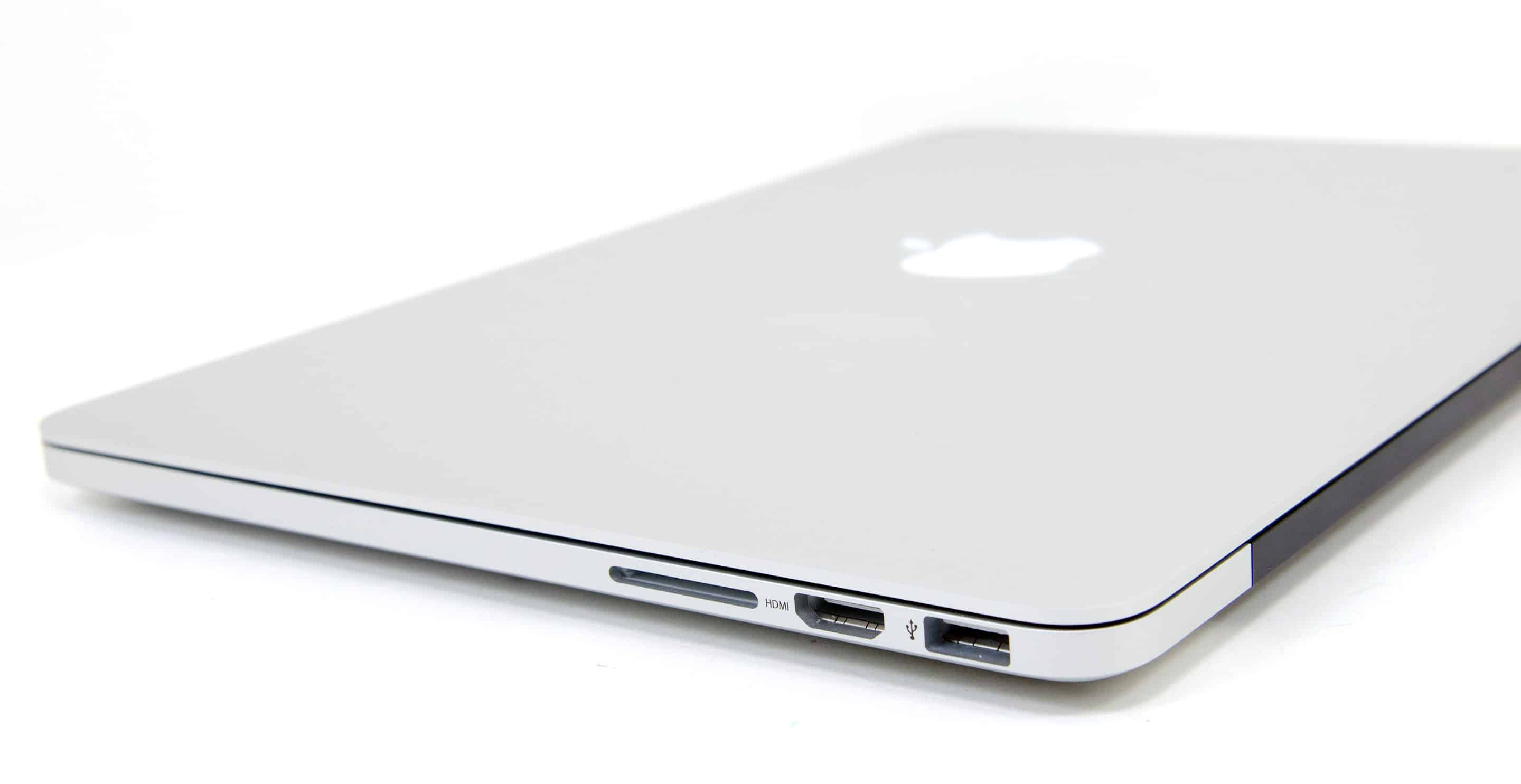 Will the SD card make a comeback on the MacBook Pro? 1