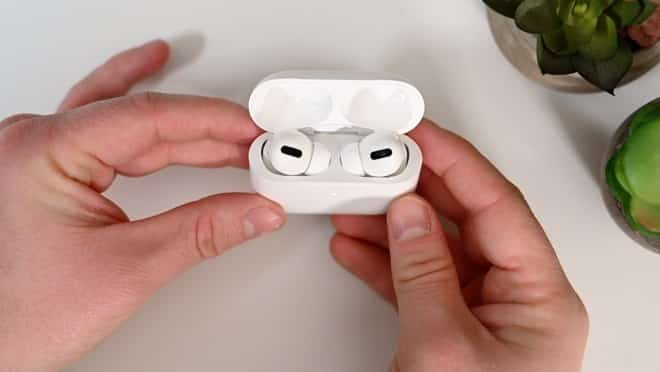 The AirPods Pro and AirPods 2 Get New Firmware Updates 1