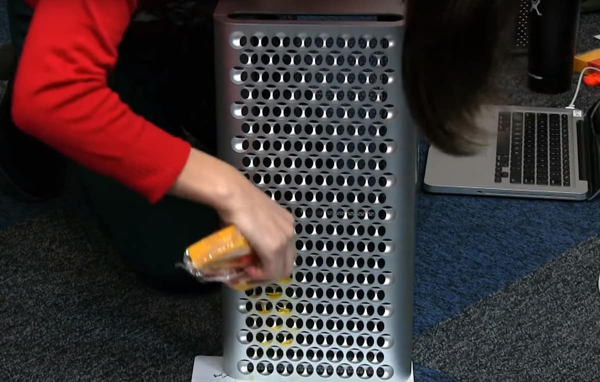 iFixit Mac Pro First Impressions and Uncasing Revealed