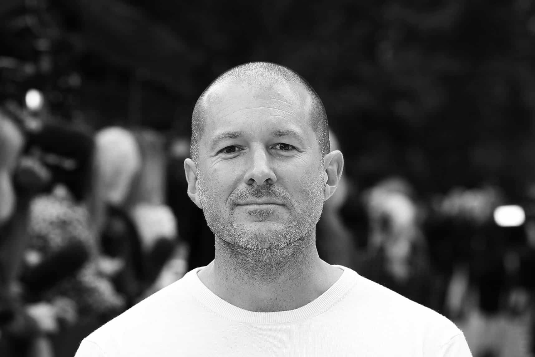 Jony Ive's bio removed from Apple's leadership page 1