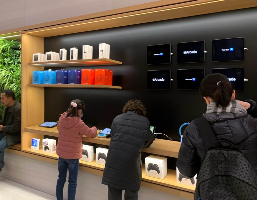 Apple store with Apple Arcade on iPad devices