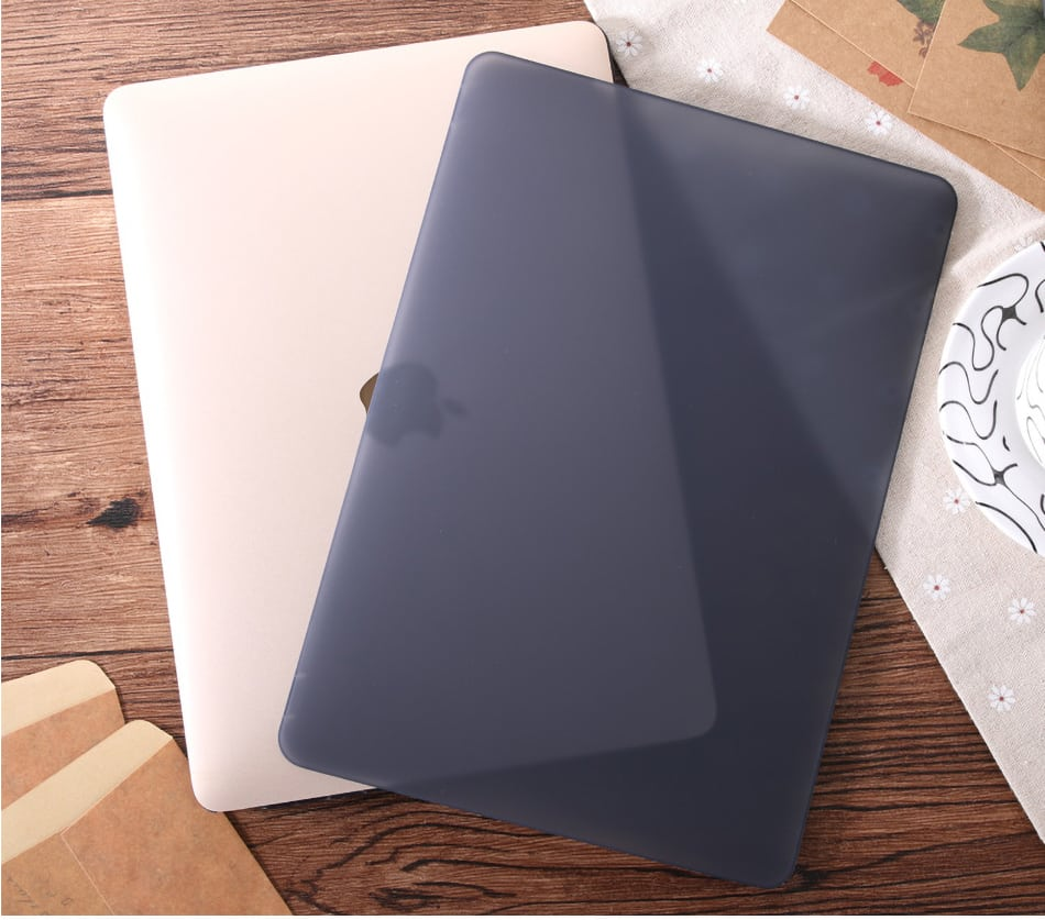 Light Shell MacBook Pro 2019 13 inch case