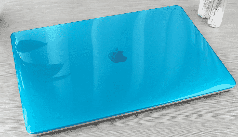 This is the Crystal Clear Protective Shell MacBook Pro 16 inch case.
