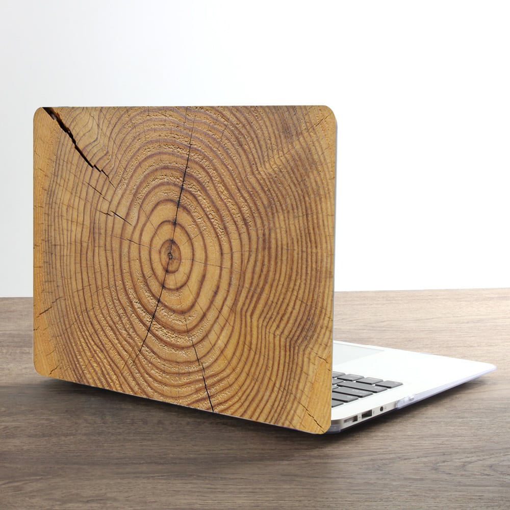 This is the Wood Grain MacBook Pro 16 inch case.