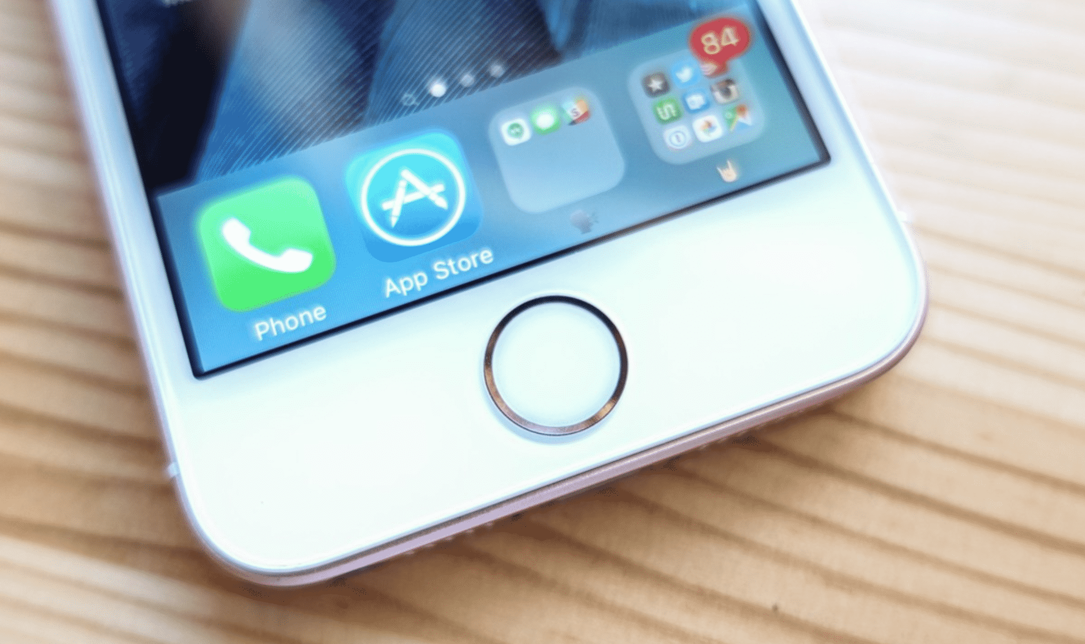 The court in Brazil Rules in Favor of Apple over iPhone Slowing