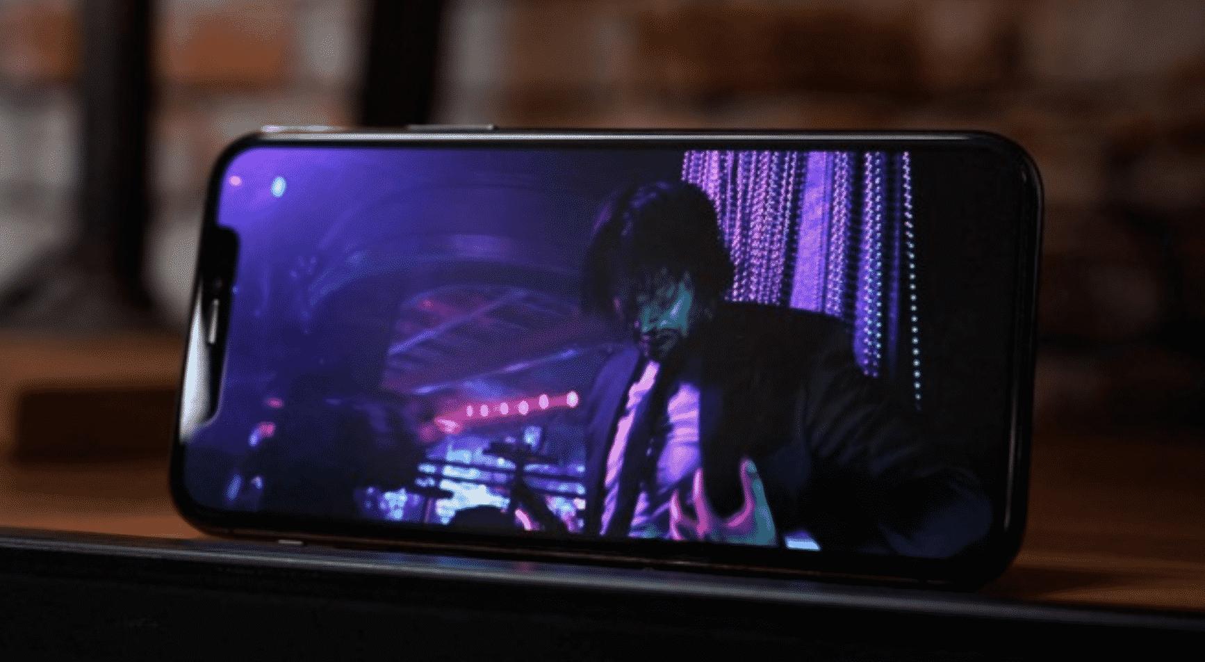 iPhone 12 OLED
