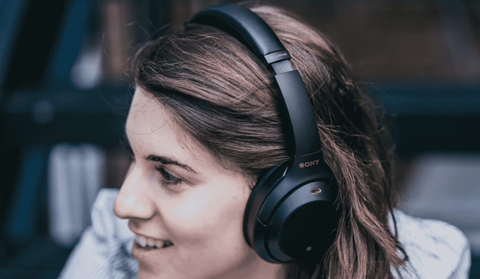 5 Travel-Friendly Headphones