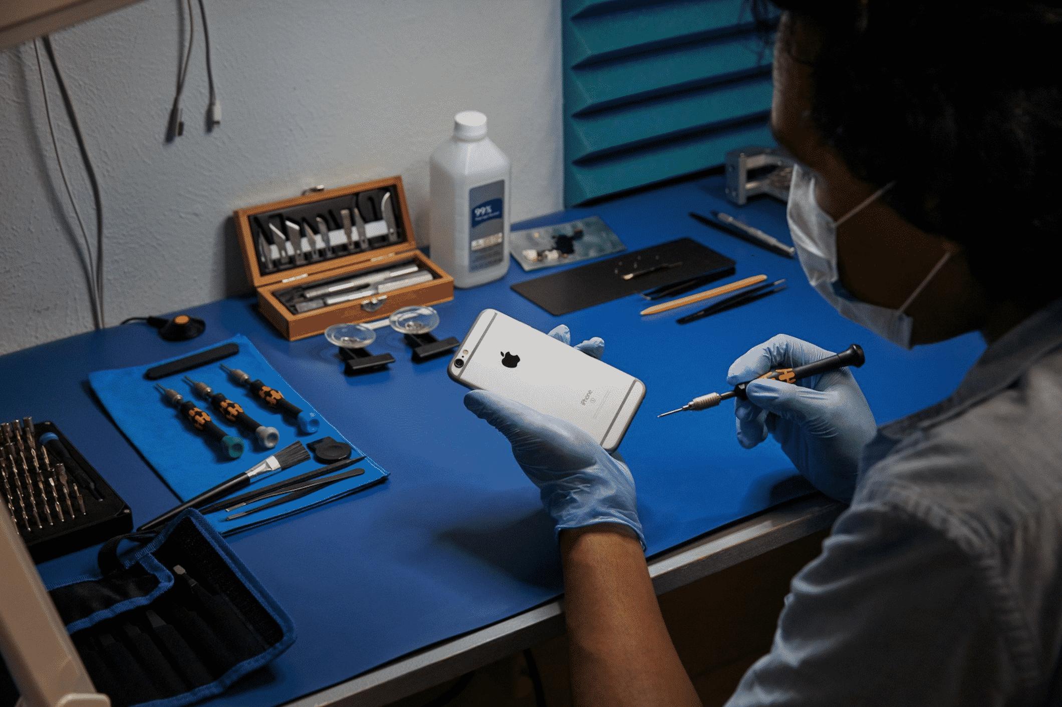 Apple's Independent Phone Repair Program