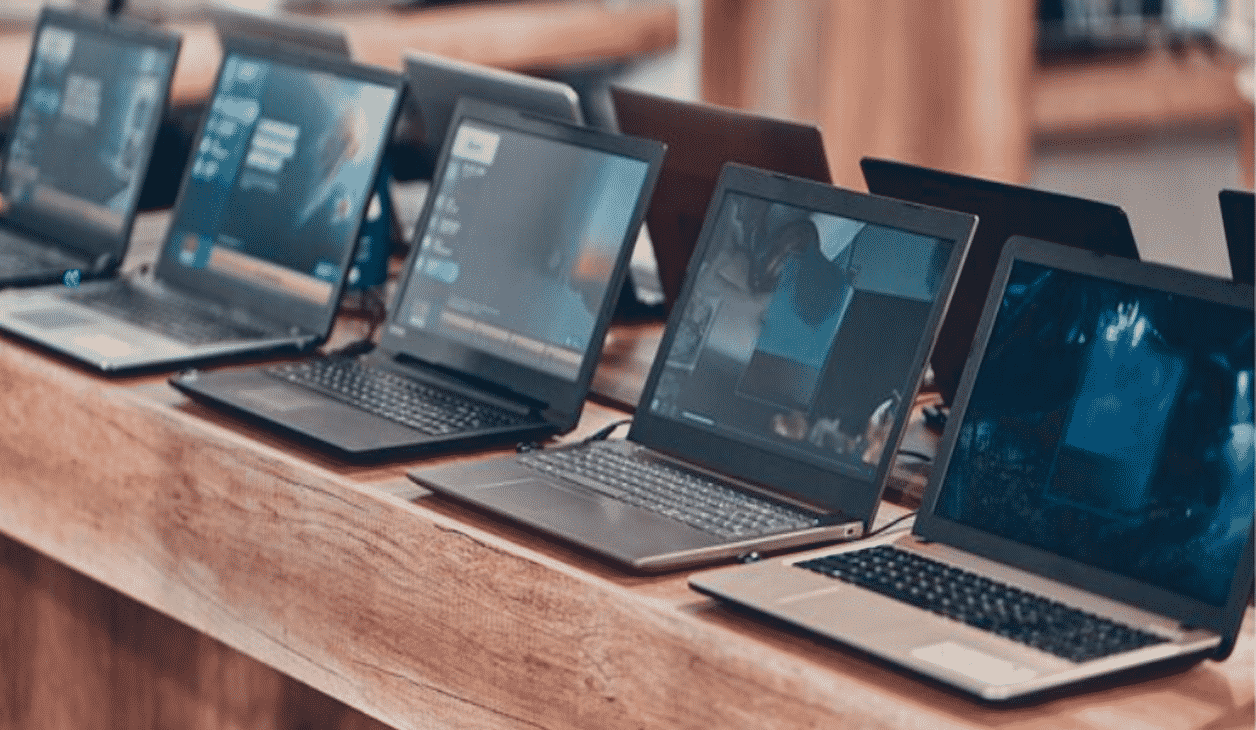 A Student's Guide to Choosing a Reliable Laptop