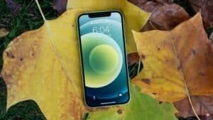 iPhone 12 {MobileSyrup]
