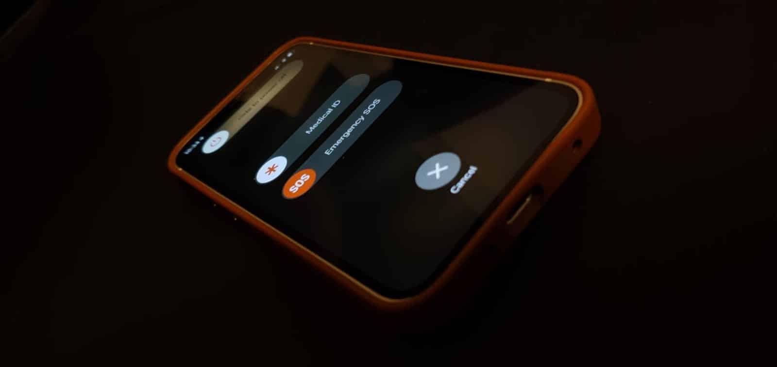turn off the iPhone 12 mini