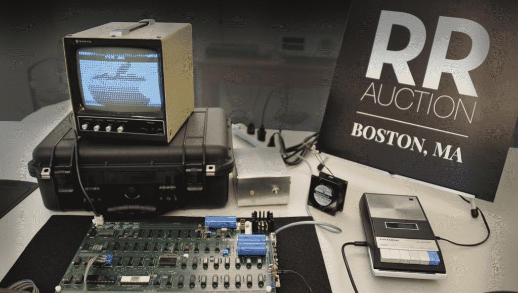 Apple-1 computer and Apple II Schematics