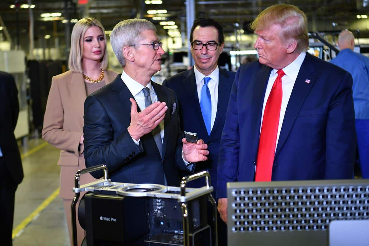 Donald Trump at Mac Pro factory