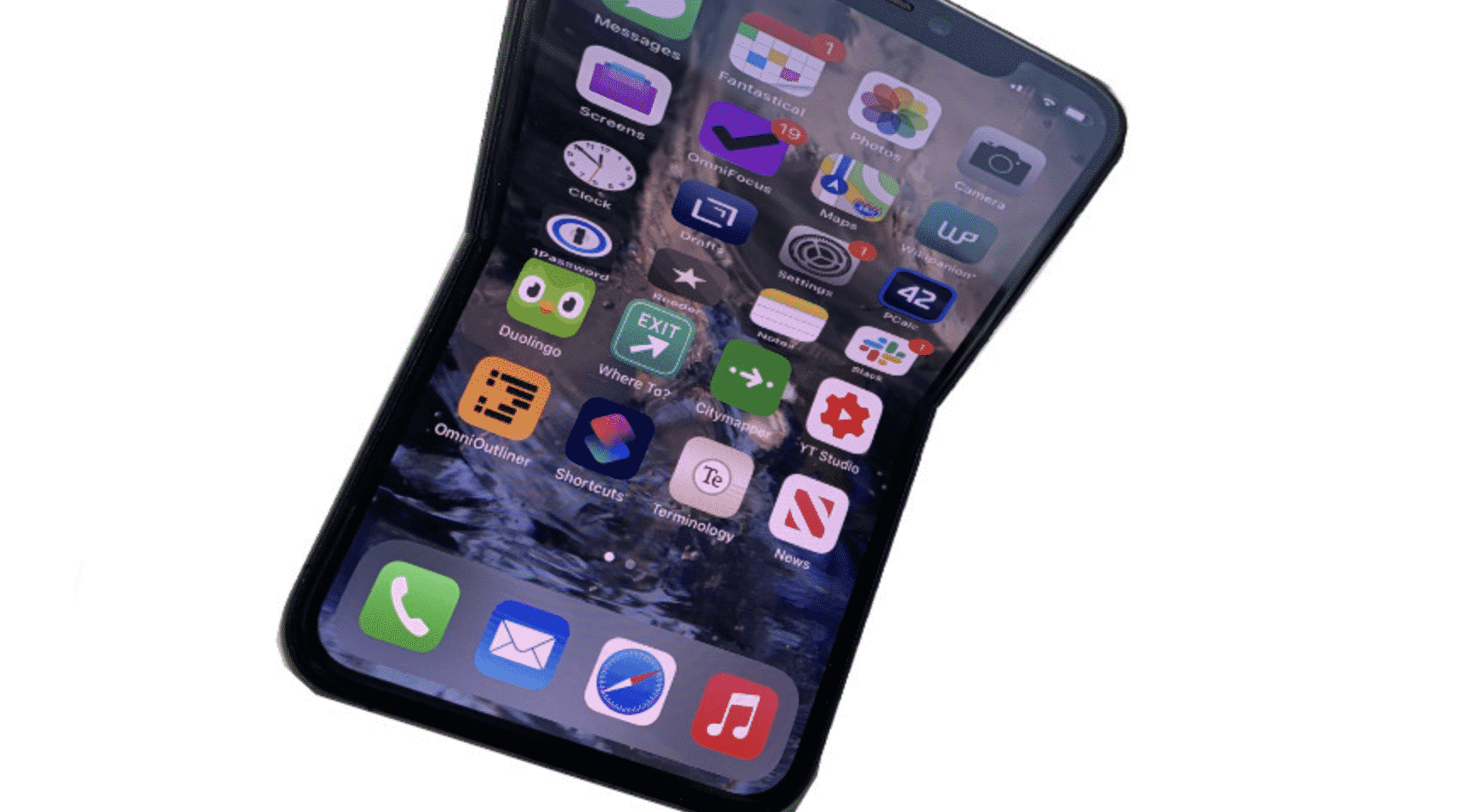 iPhone Folding Display