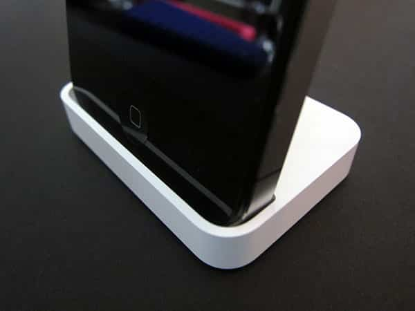 A Few Details On Apple's (Much) Bigger iPad 2 Dock