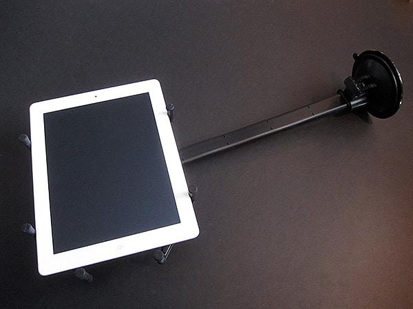First Look: Luxa2 H7 Dura-Mount Universal Car Mount for iPad + iPad 2