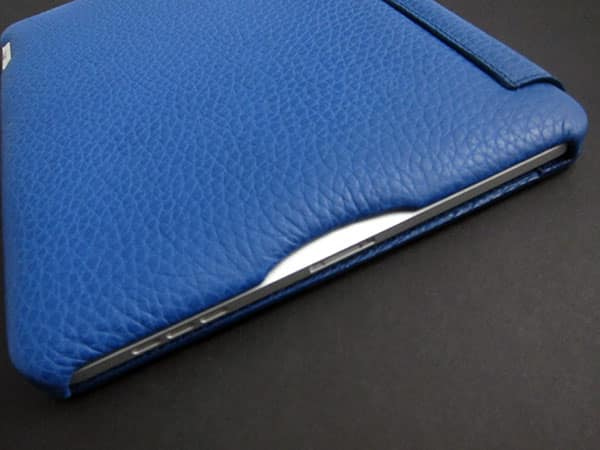 First Look: Vaja Leather Agenda for Apple iPad