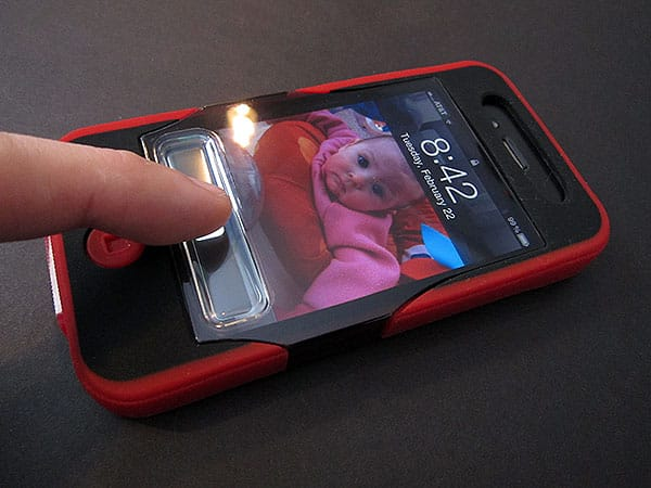 First Look: iSkin Revo4 SE Special Edition for iPhone 4