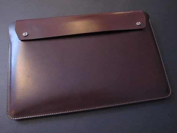 "MacBook Air 11"" Gets An Envelope Case: United SGP's Gariz Edition Leather Pouch"