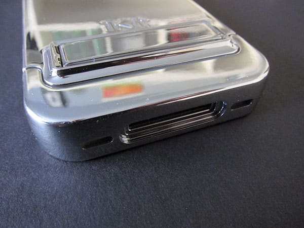 First Look: iKit Chrome Flip Case for iPhone 4