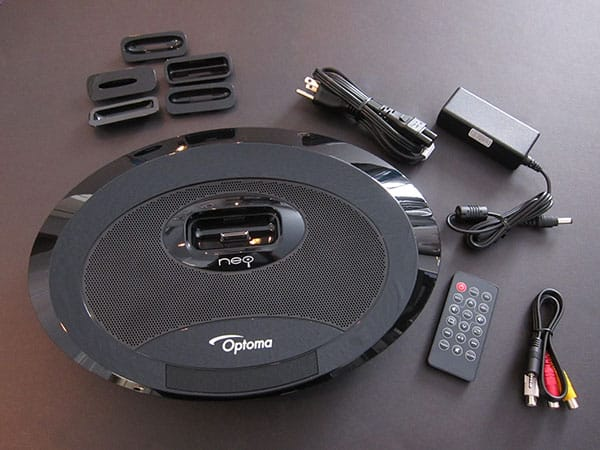 Review: Optoma Neo-i Video Projector + Speaker System for iPhone + iPod