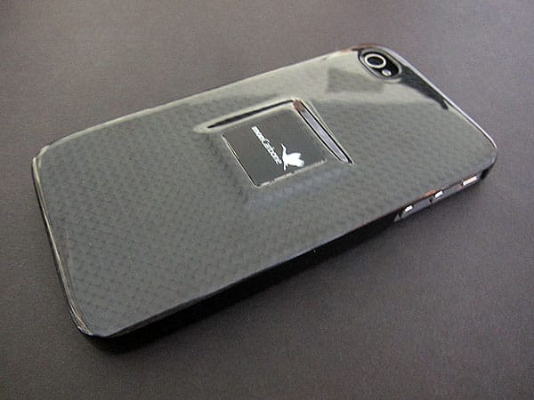 First Look: MonCarbone HoverCoat + Magnet-Force Cases for iPhone 4
