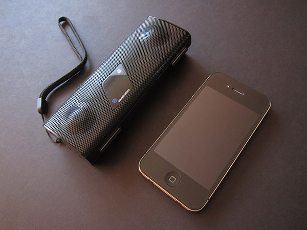 Review: Soundmatters foxL v2.2 Bluetooth Speaker for iPhone + iPod touch