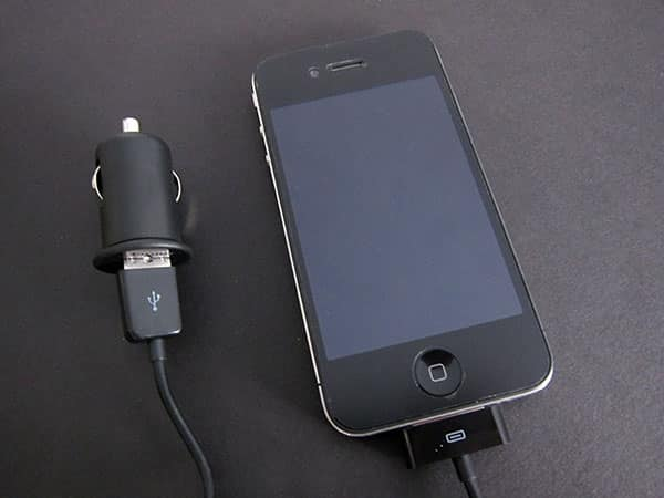 First Look: Targus Mobile Charger for Apple iPad, iPhone, or iPod