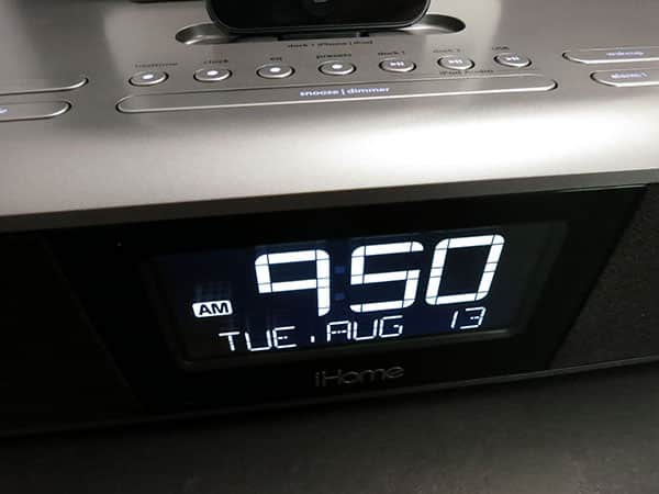Review: iHome iDL100 Triple Charging Alarm Clock with Lightning