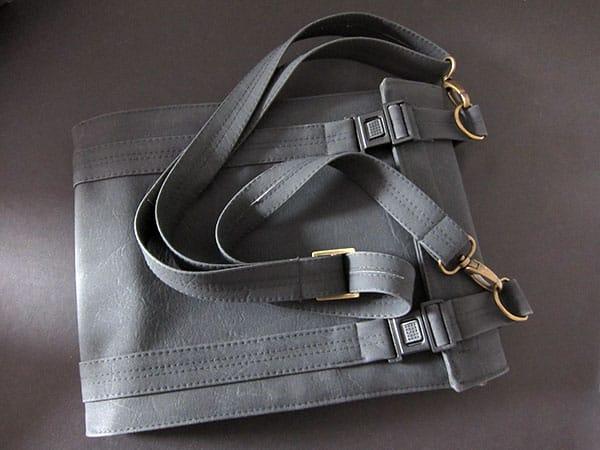 First Look: Gadget Freeway iPad Pillow + iPad Shoulder Bag