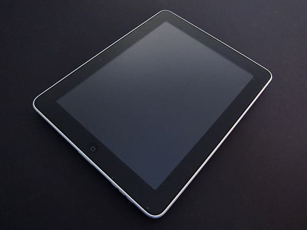First Look: United SGP Incredible Shield SQ + Steinheil Screen Film for iPad