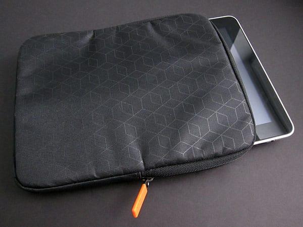 First Look: XtremeMac Neoprene Sleeve + Nylon Sleeve for iPad