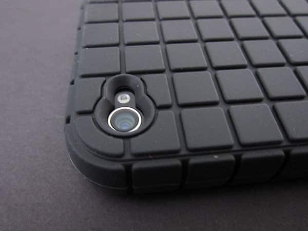 First Look: Speck PixelSkin for iPhone 4
