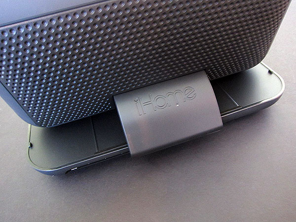 Review: iHome iP49 Studio Series Portable Rechargeable Speaker for iPhone + iPod