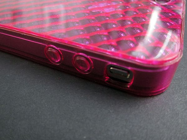 First Look: Philips Hybrid Shell and Soft Shell for iPhone 4