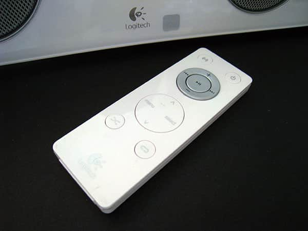 Review: Logitech Pure-Fi Anywhere 2 for iPod/iPhone