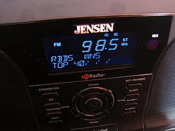 Review: Jensen JiMS-525i Docking Digital HD Radio System for iPod and iPhone