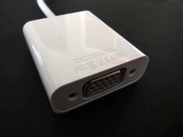 Review: Apple iPad Dock Connector to VGA Adapter / Apple VGA Adapter