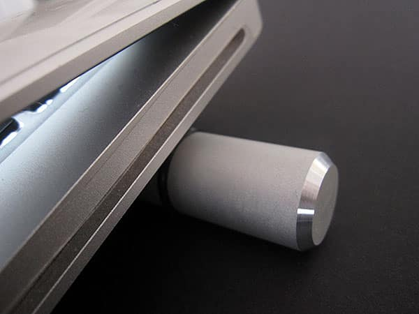 Stylish and Simple, Just Mobile's Cooling Bar Macks Up the MacBook