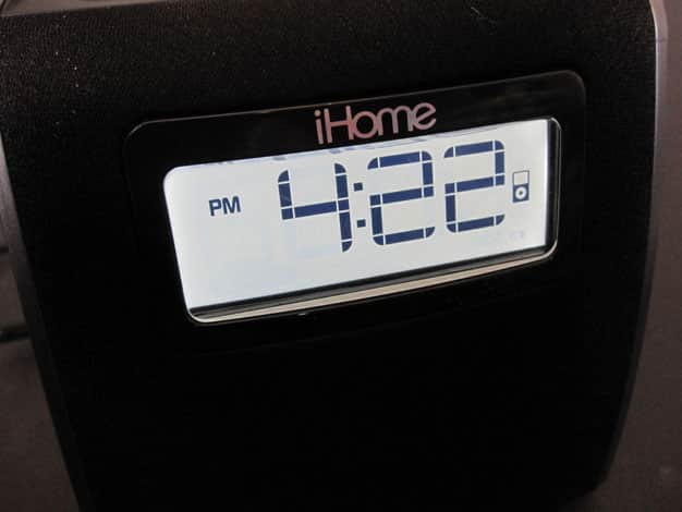 Review: iHome iPL22 Stereo FM Clock Radio with Lightning Dock