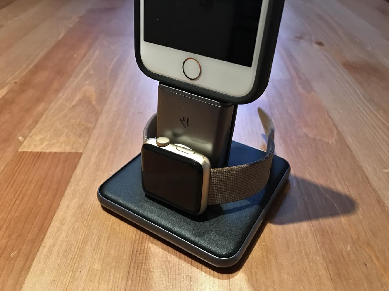 Review: Twelve South HiRise Duet for Apple Watch and iPhone