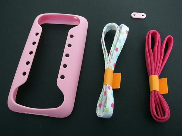 First Look: Taylor Technologies Play Hello iShoes for iPhone 3G/3GS